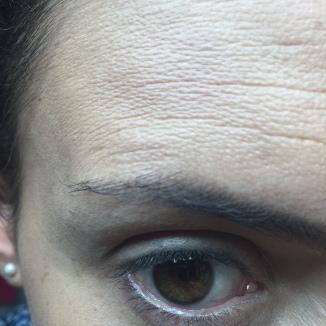 NARS: Miren mis poros y las lineas de Expresión